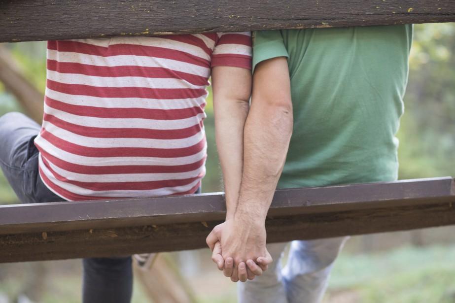 Le tiers des couples de même sexe au Canada était... (Photo Digital/Thinkstock)