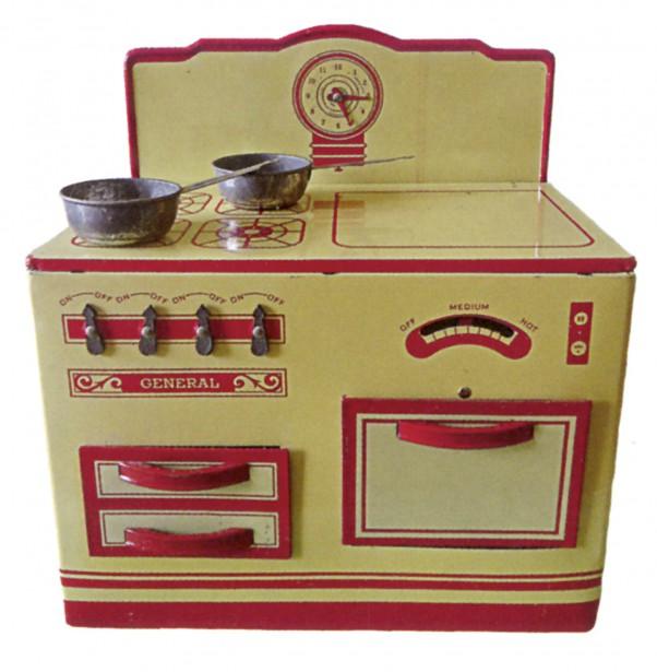 Cette cuisinière de tôle était fabriquée par General Toys dans lesannées50. (Photo tirée du livre Du bolo au G.I. Joe. Jouets au Québec 1939-1969)