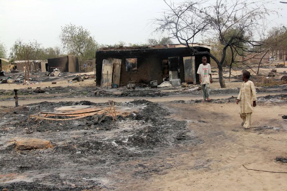 Boko Haram rase des villages entiers au Nigeria... (Photo archives AFP)