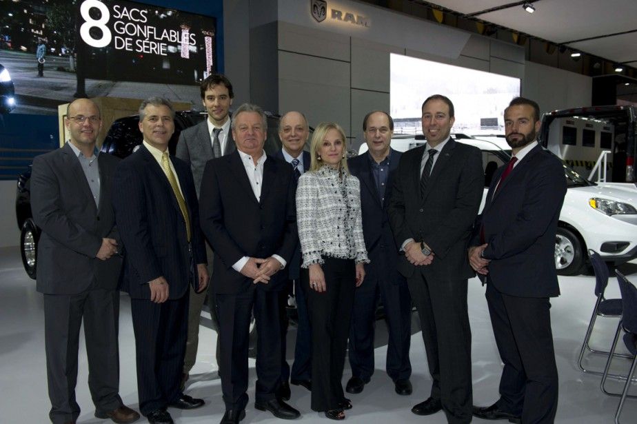 Avant premi re b n fice du salon international de l 39 auto for Garage du landry