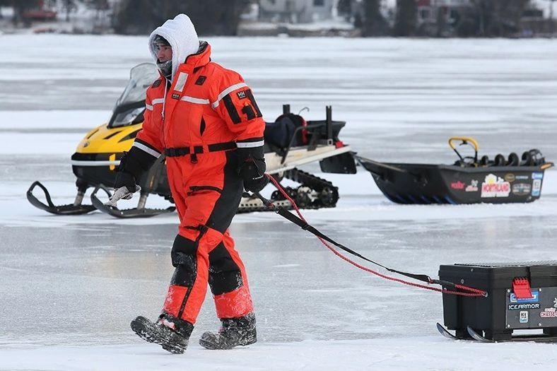 P che sur glace 2 0 luc larochelle sports for Glace a la peche sans sorbetiere