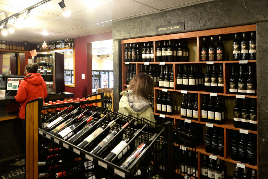 Sundance Fine Wine, Beer and Liquor Store propose une grande variété de vins en provenance principalement de Colombie-Britannique. (Photo Bernard Brault, La Presse)