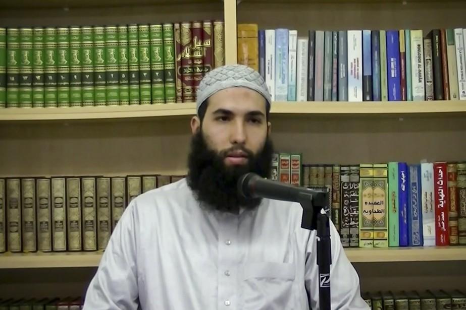 Selon la ministre Kathleen Weil,l'imam Hamza Chaouitient des... (IMAGE TIRÉE D'UNE VIDÉO YOUTUBE)