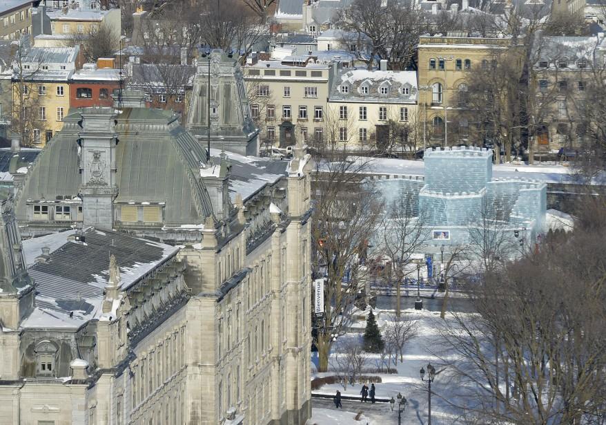Une vue inusitée du palais du Bonhomme Carnaval, soit celle de la chambre occupée par les duchesses au Château Frontenac. (28 janvier) | 29 janvier 2015