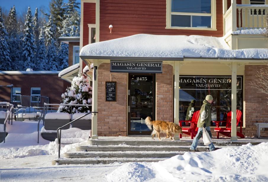 Le charmant magasin général de Val-David, ouvert l'année dernière. (PHOTO MARCO CAMPANOZZI. LA PRESSE)