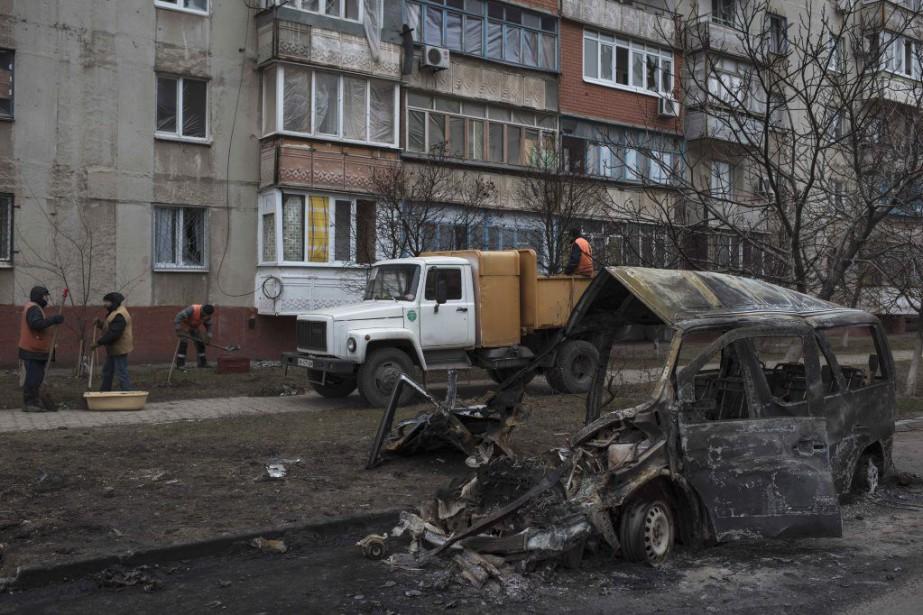 Autant les séparatistes que l'armée ukrainienne placent leurs... (Photo Evgeniy Maloletka, AP)