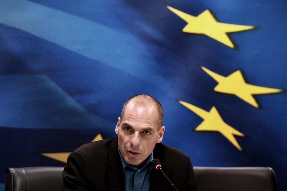 Le ministre grec des Finances Yanis Varoufakis... (PHOTO ARIS MESSINIS, AGENCE FRANCE-PRESSE)
