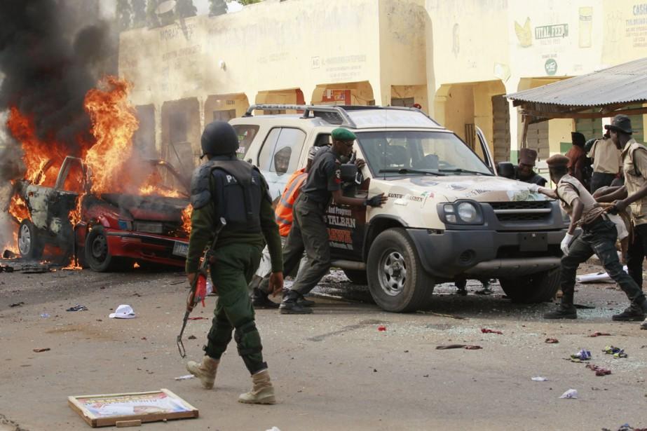 L'attentat-suicide a secoué le stationnement du stade de... (PHOTO AFOLABI SOTUNDE, REUTERS)
