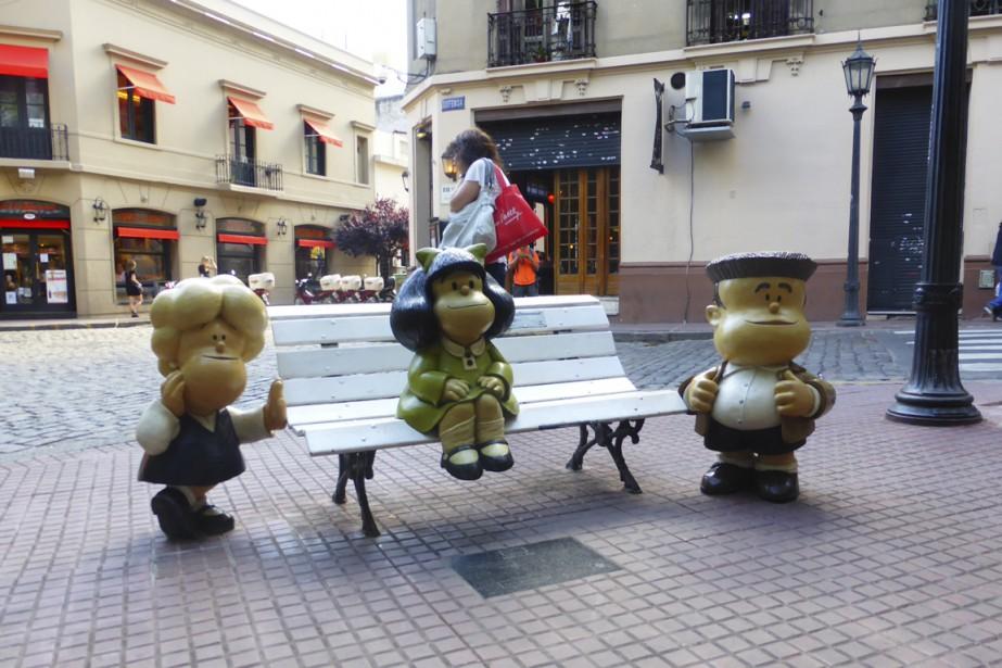 San Telmo est l'un des quartiers de la capitale argentine où il fait bon flâner et côtoyer les personnages de <em>Mafalda</em>. (Photo Fabienne Couturier, La Presse)