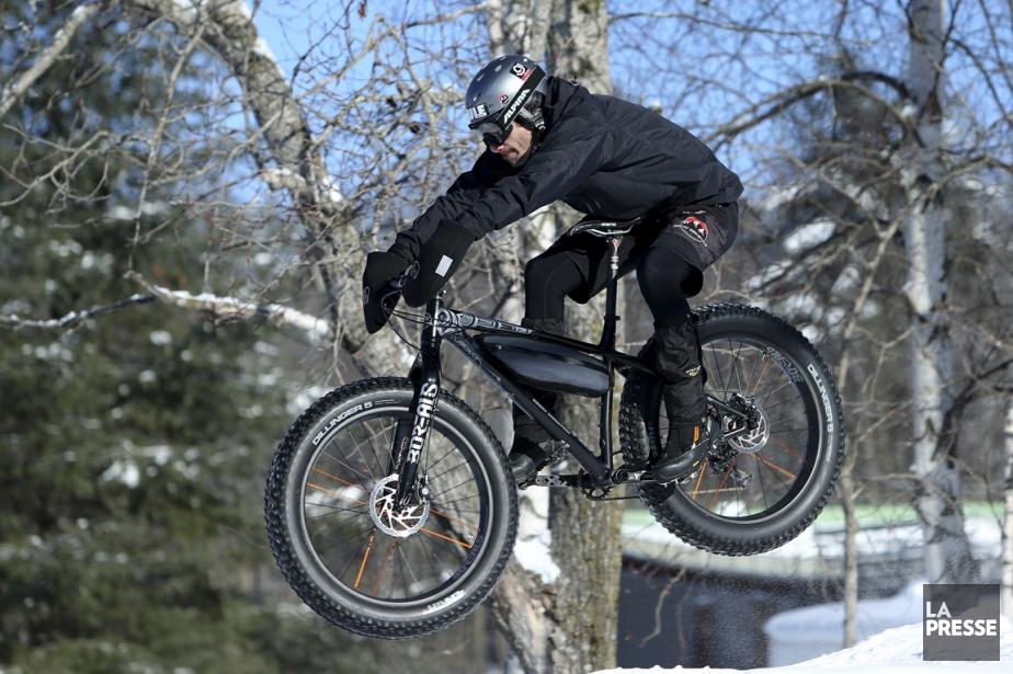 En fat bike l'hiver, le plaisir est maximisé... (La Presse, Martin Chamberland)