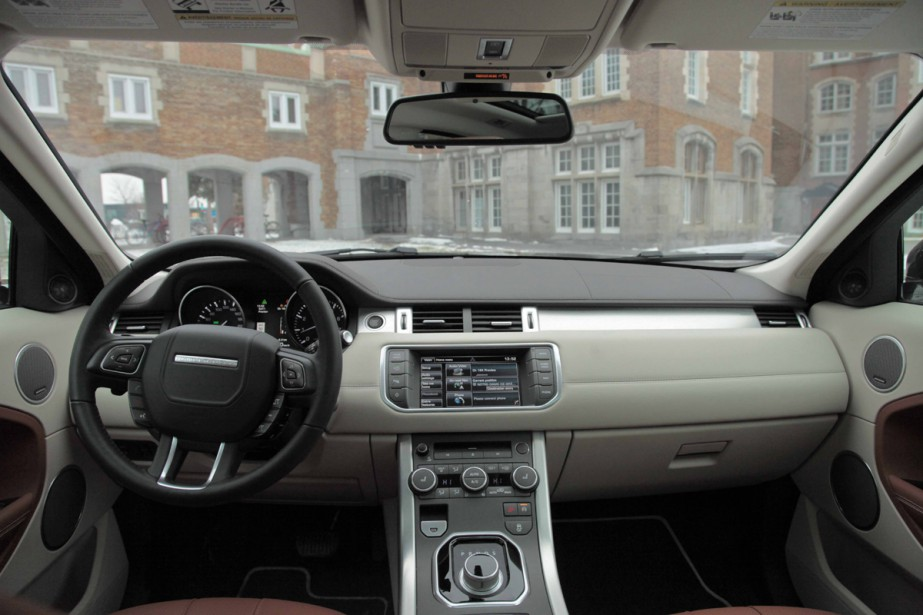 Bmw x4 range rover evoque victimes de la mode ric for Interieur range rover evoque
