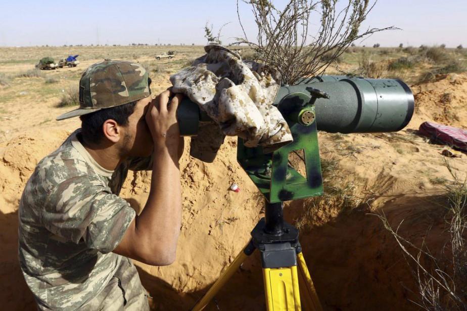 La Libye est plongée dans le chaos avec... (PHOTO MAHMUD TURKIA, AFP)