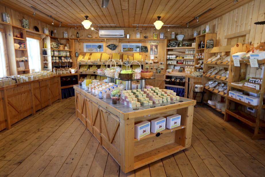 Pour contrôler la qualité de ses produits, Savon des Cantons ne les vend que dans sa grange de Magog. | 6 février 2015