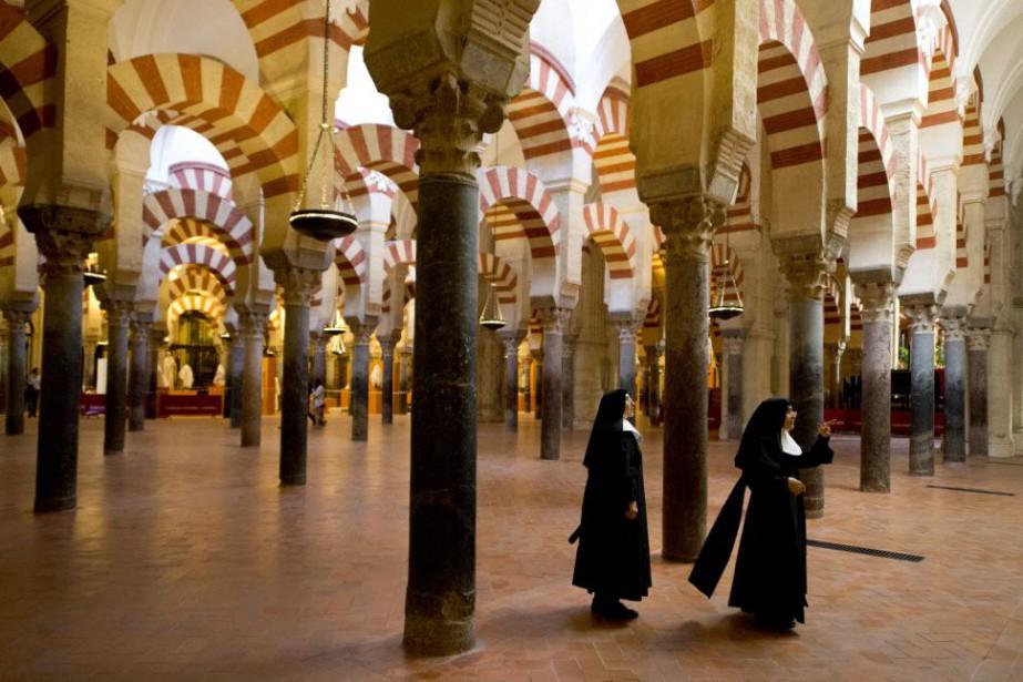 En 2014, la mosquée cathédrale a reçu 1,5... (PHOTO GERARD JULIEN, AFP)