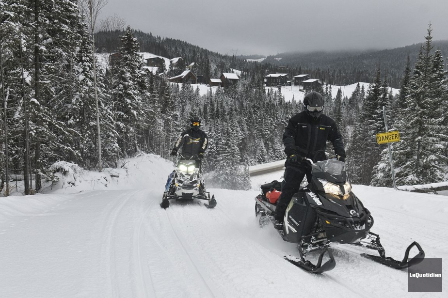 Le Québec compte plus de 180 000 motoneiges... (PHOTO ROCKET LAVOIE, LE QUOTIDIEN)