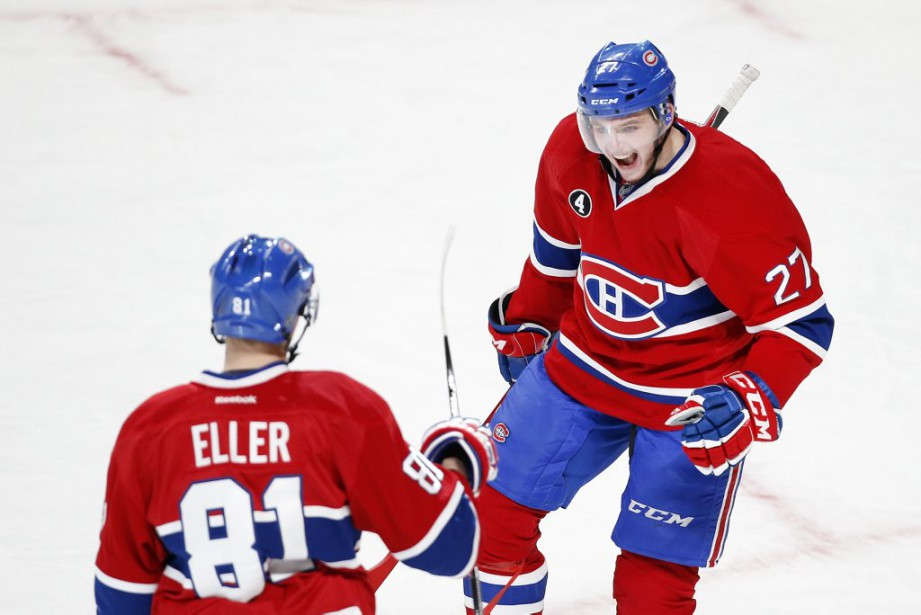 Alex Galchenyuk félicite Lars Eller pour son but. (PHOTO ROBERT SKINNER, LA PRESSE)