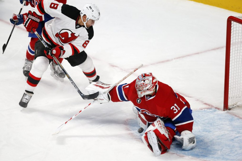 Carey Price frustre Dainius Zubrus. (PHOTO ROBERT SKINNER, LA PRESSE)