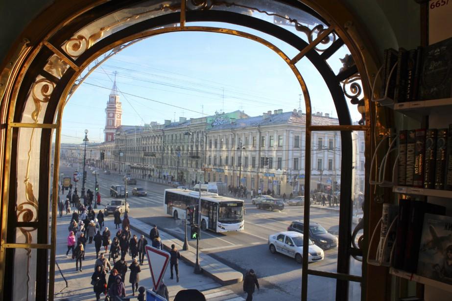 La dynamique perspective Nevski vue depuis le «Dom Knigui», la Maison du livre. (Photo Étienne Bouche, collaboration spéciale)