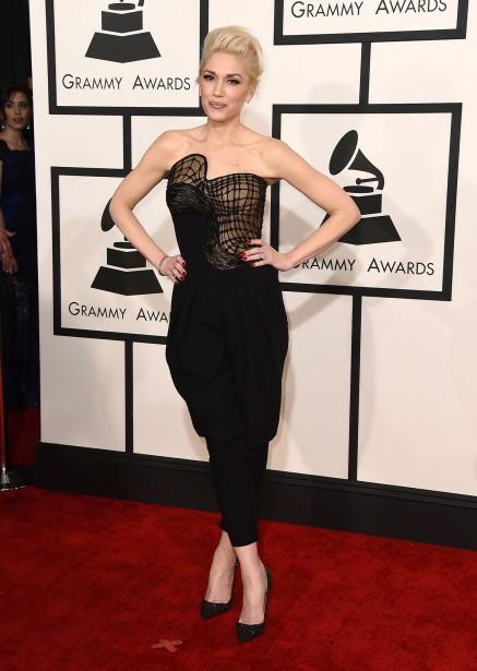 Gwen Stefani était superbe dans cette combinaison-pantalon d'Atelier Versace. Une des tenues les plus réussies de la soirée. (AP)
