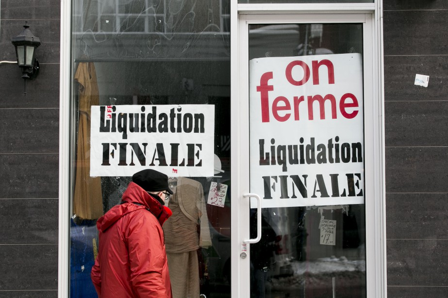 Liquidation finale dans cette boutique du boulevard Saint-Laurent. (PHOTO MARTIN TREMBLAY, LA PRESSE)