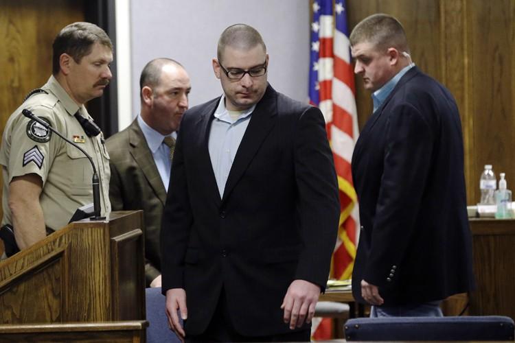 Eddie Ray Routh, au centre,risque la prison à... (Photo: AP)