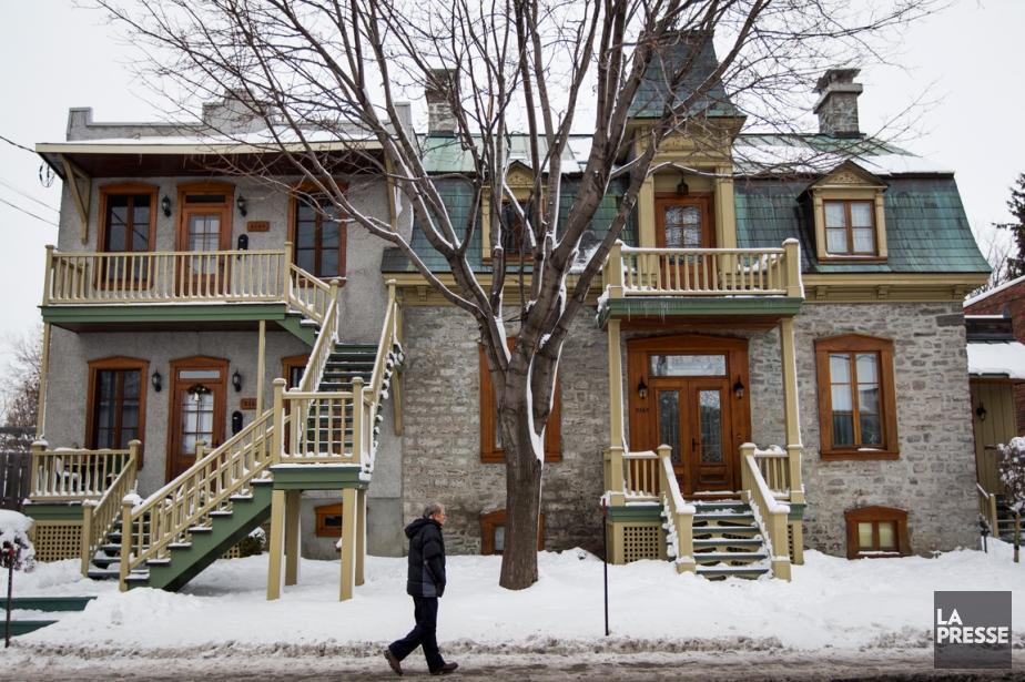 La maison de Jocelyne Labrecque et de Marc Brisebois est résolument imposante...