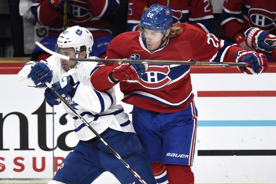 Dale Weise des <span>Canadien</span> face à Nazem Kadri des Maple Leafs, en première période. (Photo Bernard Brault, La Presse)