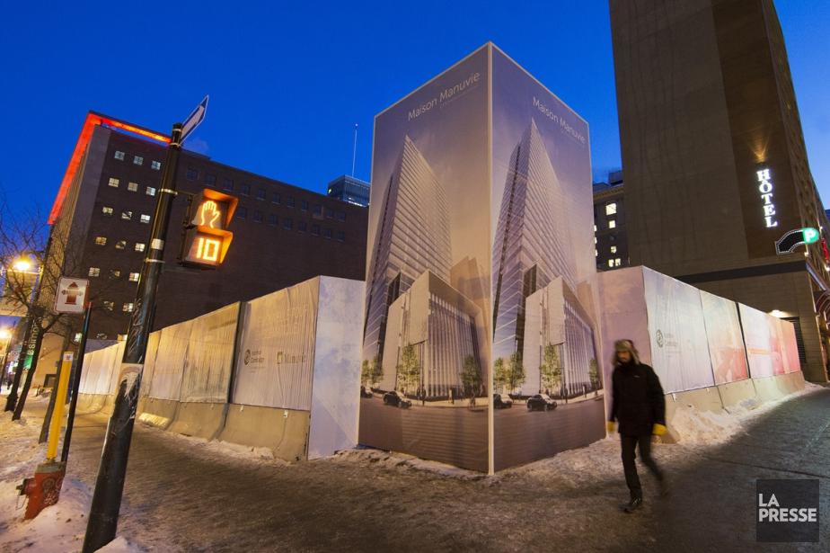 La construction de la tour de 27 étages,... (PHOTO ROBERT SKINNER, LA PRESSE)
