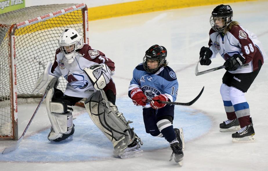 Le Madelinot Antony Boudreau, 11 ans, n'habite déjà plus chez ses parents pour vivre à fond son rêve de jouer au hockey. (Le Soleil, Erick Labbé)
