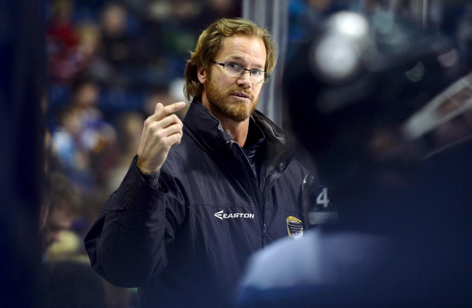 Chris Pronger, entraîneur adjoint des petits Blues de St. Louis, équipe dans laquelle évolue son fils, Jack. (Le Soleil, Erick Labbé)