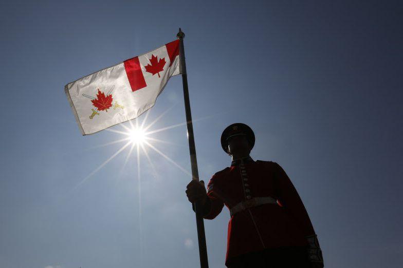 Il reste deux chances au Sénat d'amender le... (Photo Chris Wattie, Archives La Presse canadienne)