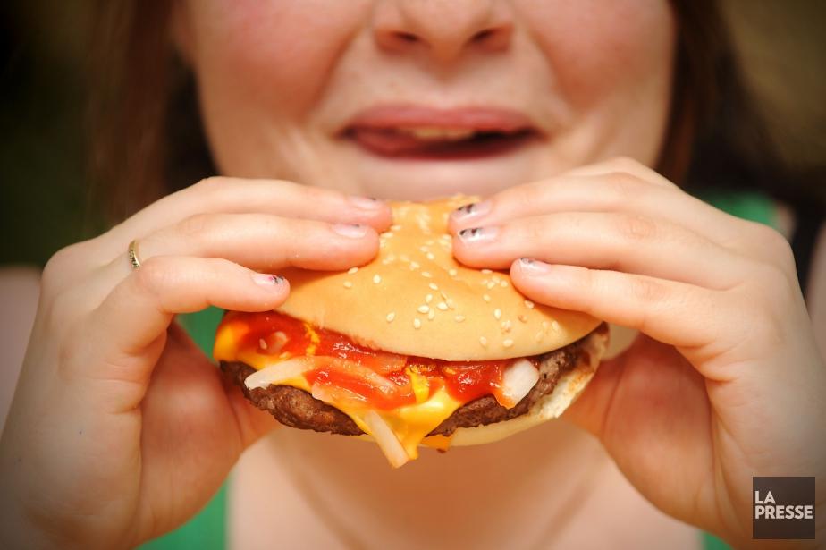 L'excès de poids, une mauvaise alimentation et le... (PHOTO ARCHIVES LA PRESSE)