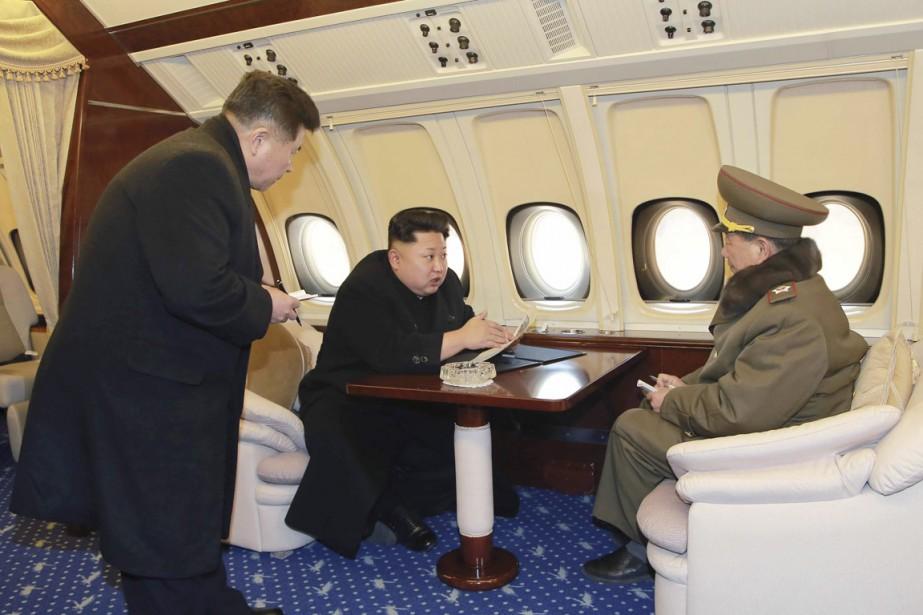Kim Jong-un a fait complètement réaménagé son avion... (PHOTO AFP/KCNA)