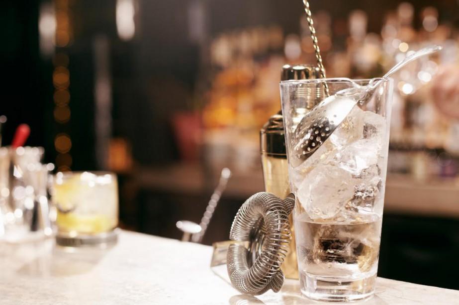 Votre bar est rempli de restes de party, mais vous ne savez... (PHOTO MASTERFILE)