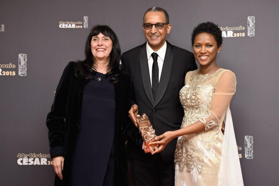 La productrice Sylvie Pialat, le réalisateur mauritanien Abderrahmane... (PHOTO MARTIN BUREAU, AFP)
