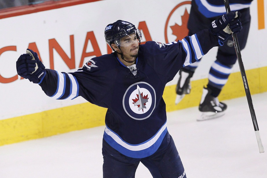 Evander Kane... (PHOTO ARCHIVES LA PRESSE CANADIENNE)