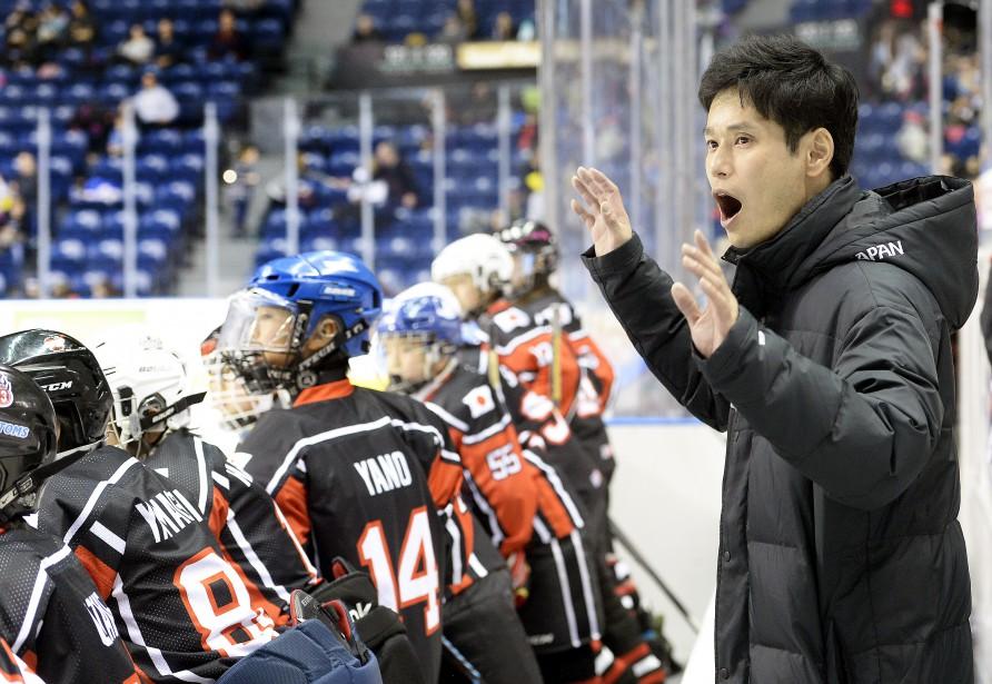 L'équipe du Japon, dirigée par l'entraîneur-chef Taro Kurokawa, a gagné le trophée du meilleur esprit sportif. (Photo Le Soleil, Jean-Marie Villeneuve)