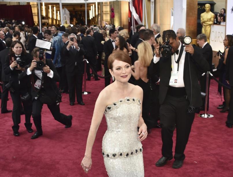 Comme toujours, Julianne Moore a un look irréprochable, signé Chanel. (Photo AFP)