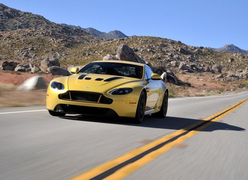 <strong>Aston Martin V12 Vantage S 2015</strong>— À partir de 198 645 $ (Photo fournie par Aston Martin)