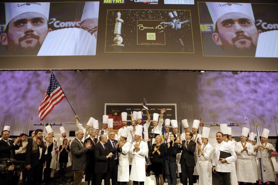 Pour les lauréats, dont le chef norvégien Orjan Jojannessen, les Bocuse d'or se concluent par une cérémonie digne des Jeux olympiques. (Photo Laurent Cipriani, AP)