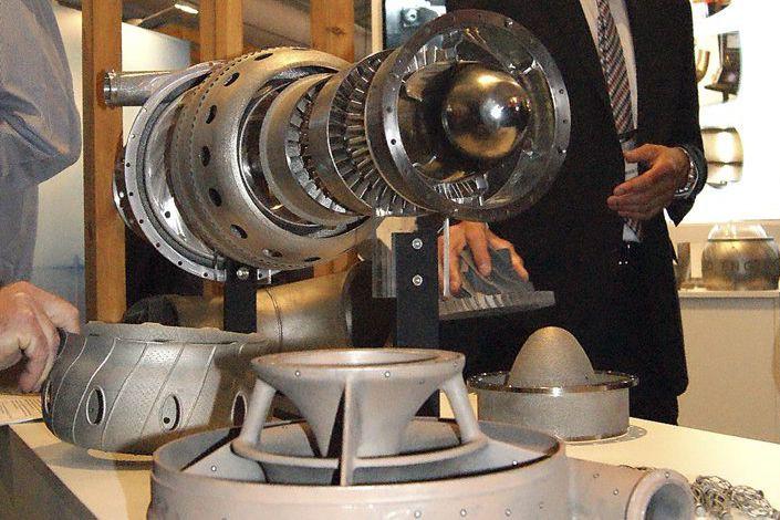 Les engins - répliques du moteur à turbine... (PHOTO REUTERS/Monash University)