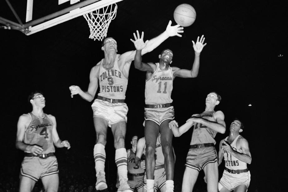 Lloyd (au centre, numéro 11) avait fait son... (Photo archives AP)