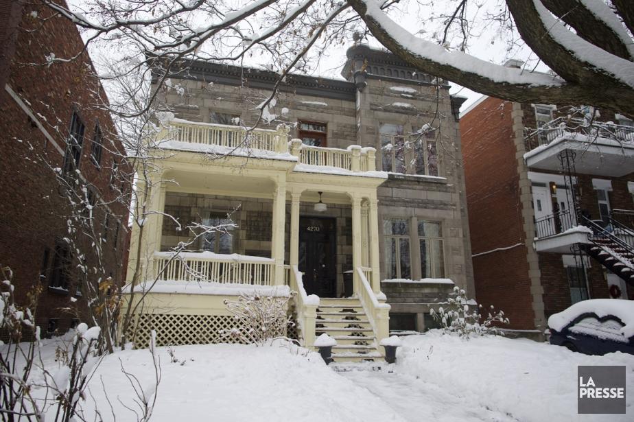 La maison est située dans une rue passante... (Photo André Pichette, La Presse)