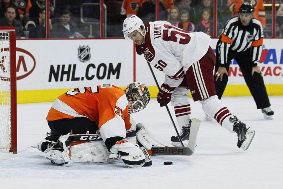 Antoine Vermette... (Photo Tom Mihalek, AP)