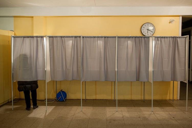 Les Estoniens élisaient leur Parlement dans un contexte... (Photo: AP)