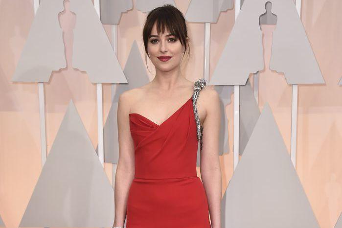 Dakota Johnson, lors de la soirée des Oscars.... (Photo Jordan Strauss, Invision/ Archives AP)