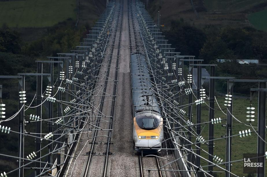 Eurostar a transporté 10,4 millions de passagersen 2014,... (PHOTO BEN STANSALL, AFP)
