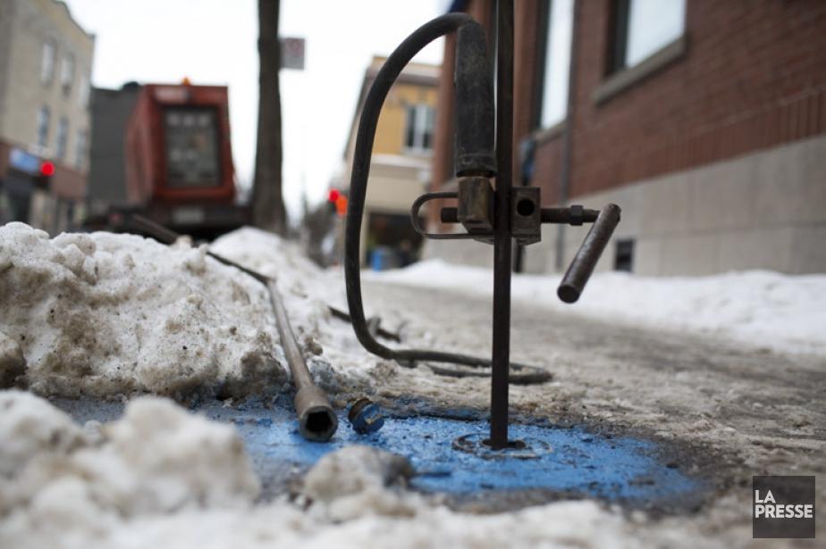 La principale méthode employée par Montréal pour dégeler... (PHOTO MARTIN TREMBLAY, LA PRESSE)