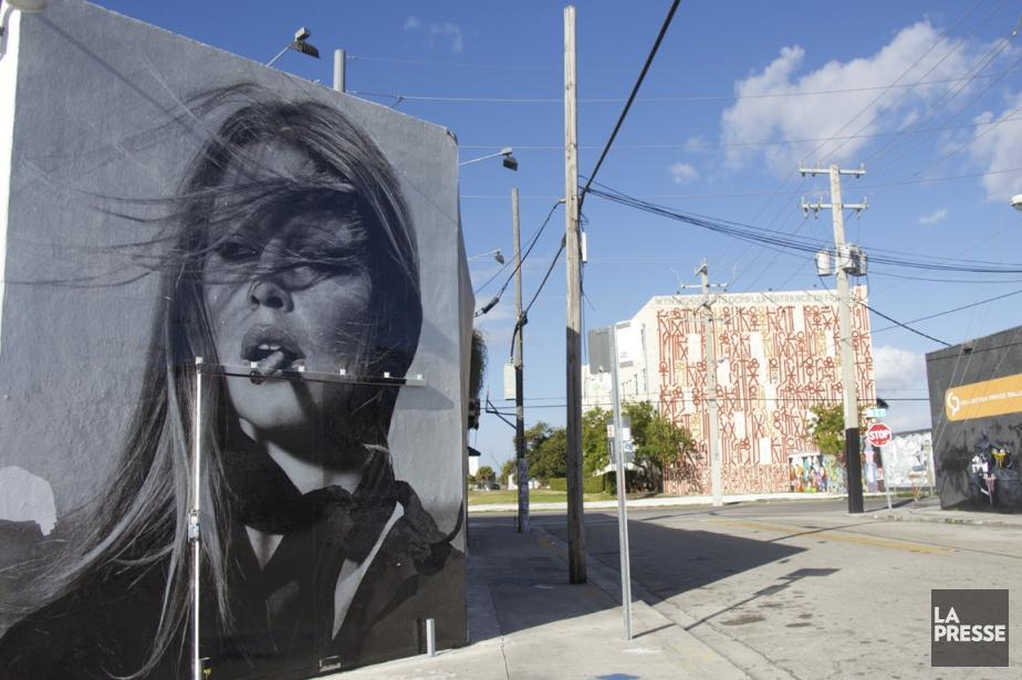 Le Wynwood Art Complex, derrière Brigitte Bardot...... (Photo Stéphanie Bérubé, La Presse)