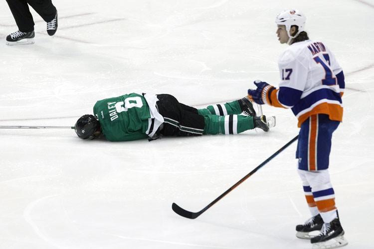 L'attaquant Matt Martin, des Islanders de New York, a été suspendu... (Photo: AP)